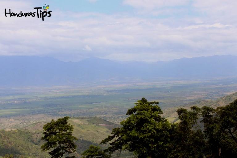 Olanchito desde las alturas, en el mirador de Bella Vista, los visitantes sentirán que vuelan.