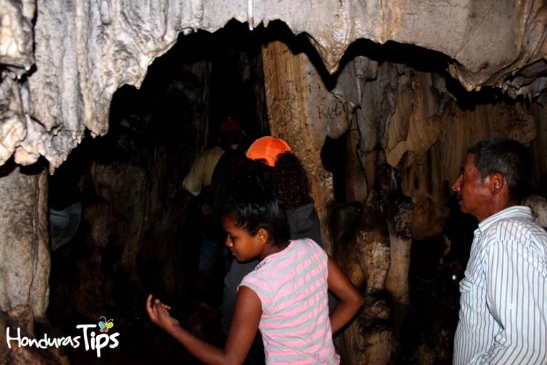 Los que más visitan la cueva El Naranjo, son los mismos ciudadanos de Olanchito.
