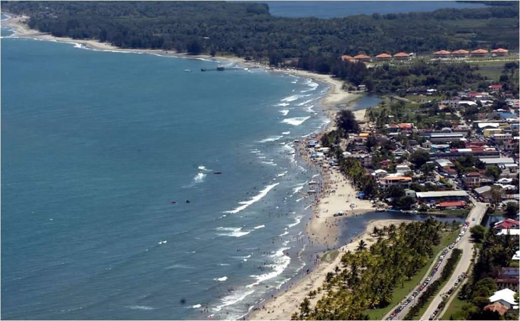 tela m s que playa es diversi n para los turistas On vacaciones en tela honduras