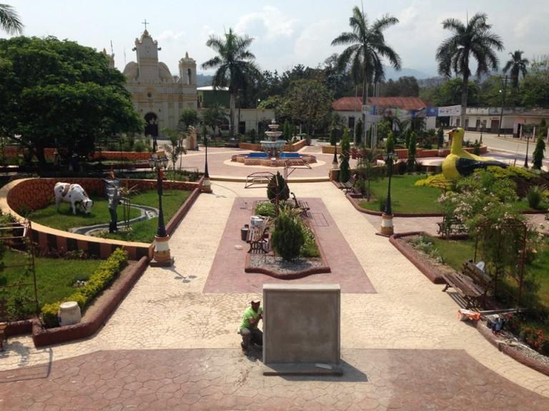 Parque central de San Marcos, Santa Bárbara.
