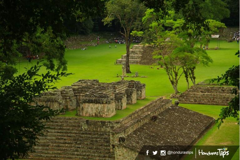 Muchos guatemaltecos visitan las imponentes Ruinas de Copán por su cercanía.