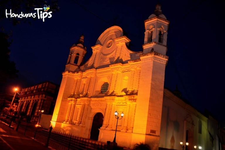 La belleza de Santa Rosa de Copán es admirada por nacionales e internacionales.
