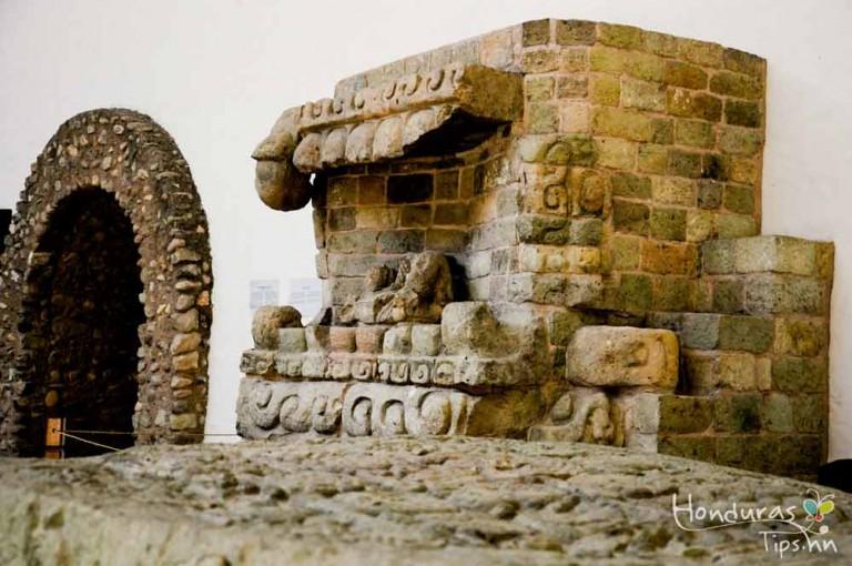 El Museo de la Escultura, Parque Arqueológico de Copán Ruinas un lugar que guarda los mejores tesoros de los mayas.