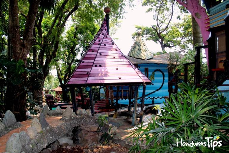 Sea Jadehorse es un lugar hermoso de Utila.