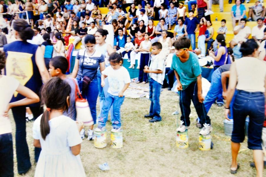 Tal como se observa en esta fotografía de la década de 1990, Campo Agas retomará los juegos tradicionales en 2016.