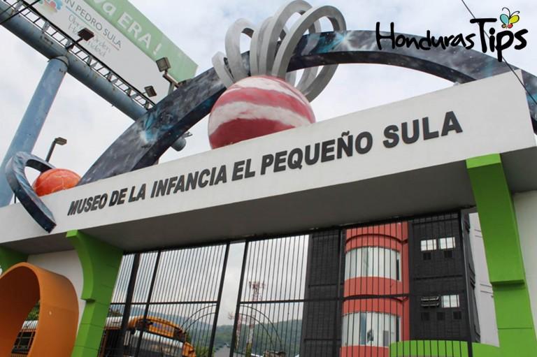 El Museo del Niño o pequeño Sula, esta ubicado carretera al Sur, por la Toyota.