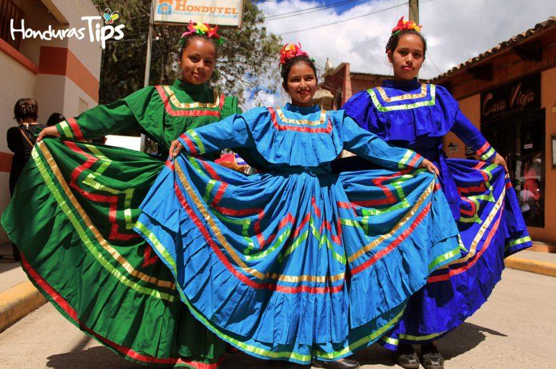 La Esperanza es una ciudad alegre, dinámica que realiza festivales durante todo el año, por tal razón han instaurado el día nacional del folklore hondureño que se celebra el último día del mes de julio.