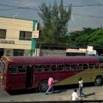 Estadounidense relata su experiencia en los buses amarillos de Honduras
