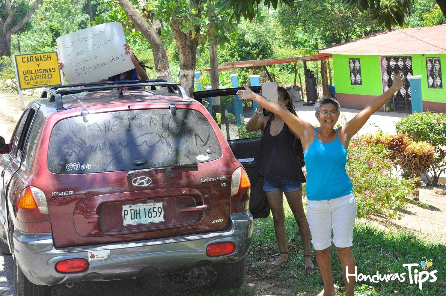 Los habitantes también brindaron una calurosa bienvenida a los visitantes, entre ellos la familia Sarres Motiño.