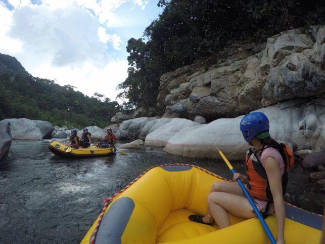 Hacer Rafting (descenso de río) fue una experiencia totalmente para Flo.