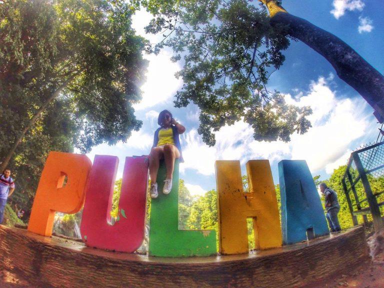 Gaby posado en el parador turístico de Pulhapanzak