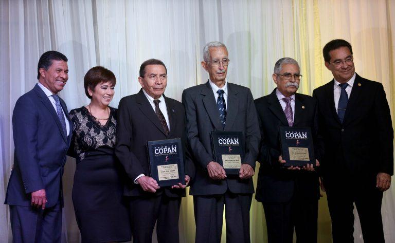 Ganadores 2016 de Premios Copán...