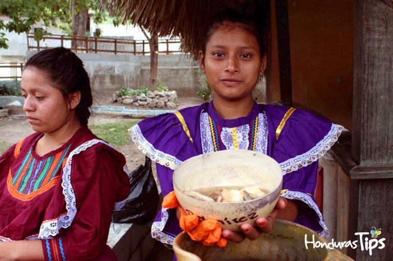 En Chiquimula de la Sierra podrá probar el rico Chilate con pan francés, servidos por manos de los maya-chortís.