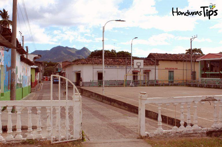Citalá es un hermoso pueblo de El Salvador a pocos minutos de la Frontera El Poy (Honduras).