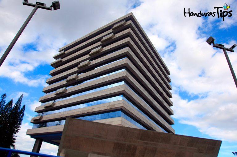 Edificio administrativo Unah