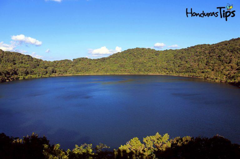 La Laguna y volcán Ipala en Jutiapa, Guatemala es un lugar encantador, tiene que visitarlo.