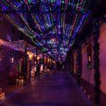 Comayagua es quizás la villa más sorprendente, con calles enteras cubiertas de luces...
