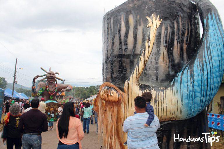 Un mensaje provocaron las Chimeneas Gigantes: Conciencia ambiental