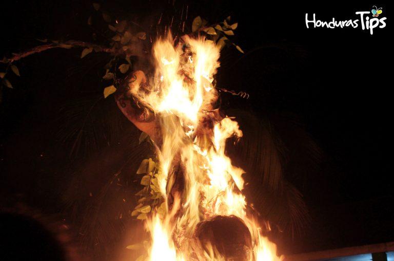 Una a una fueron quemando las Chimeneas Gigantes.