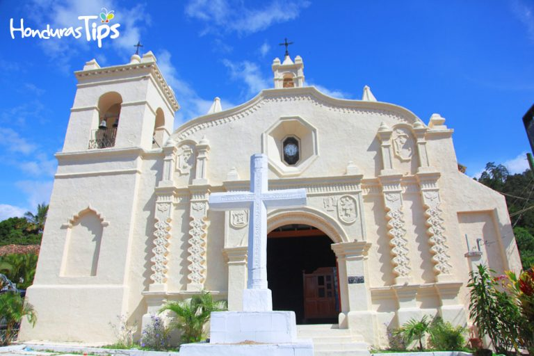 Esta iglesia data de 1574, su belleza encanta a los visitantes.