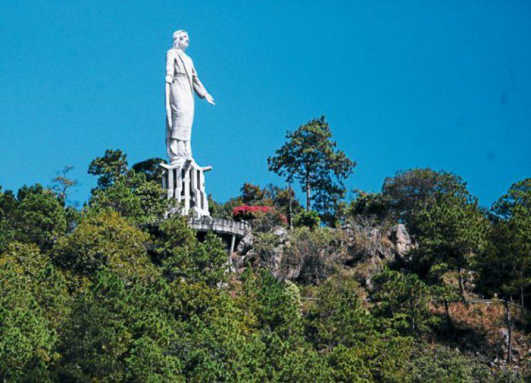 El Picacho es un símbolo para los capitalinos, allí existe un parque para realizar muchas actividades de campo.