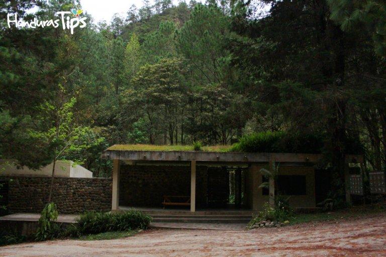 Centro de visitantes del Celaque.