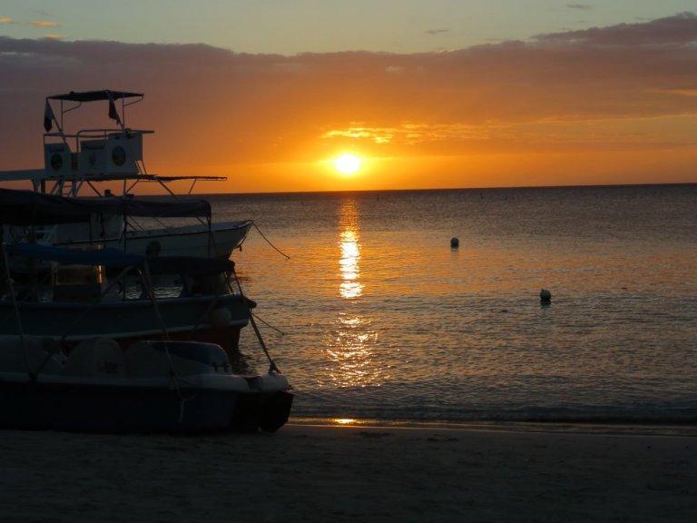 West Bay es la playa más visitada de Centroamérica y por eso supera a todas las de la región. Foto: JenMarkCo