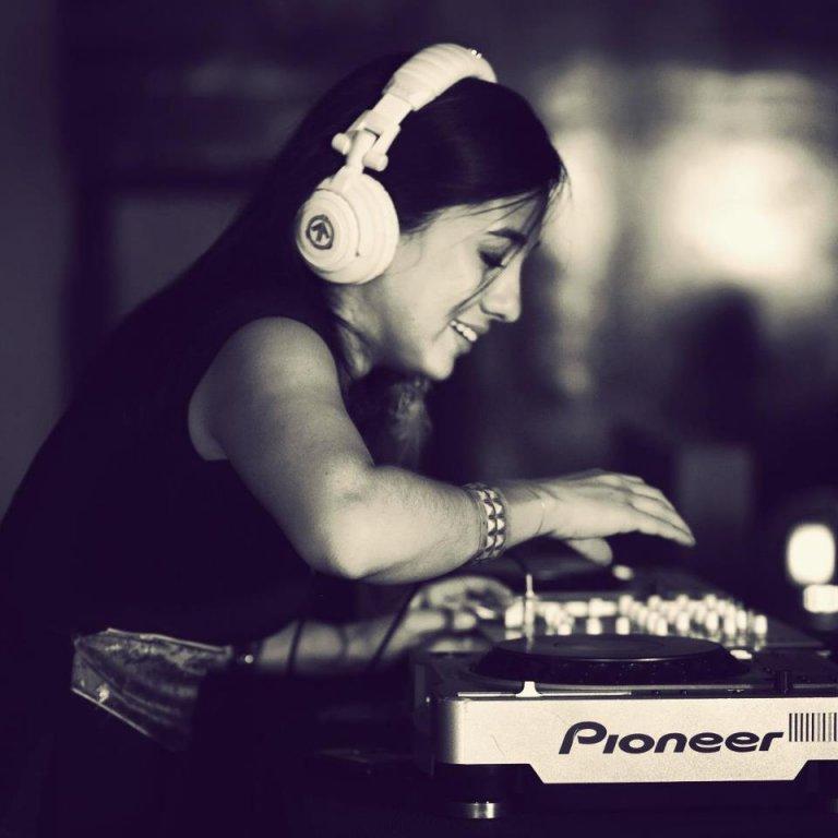 Nina Garay (Official) – Honduras