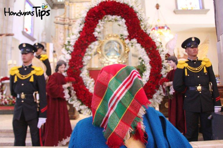 En la basílica de Suyapa se respira paz y tranquilidad.