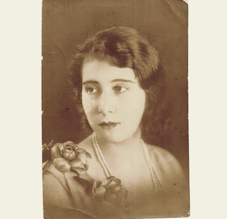 01) Argentina Díaz Lozano en una foto de1932