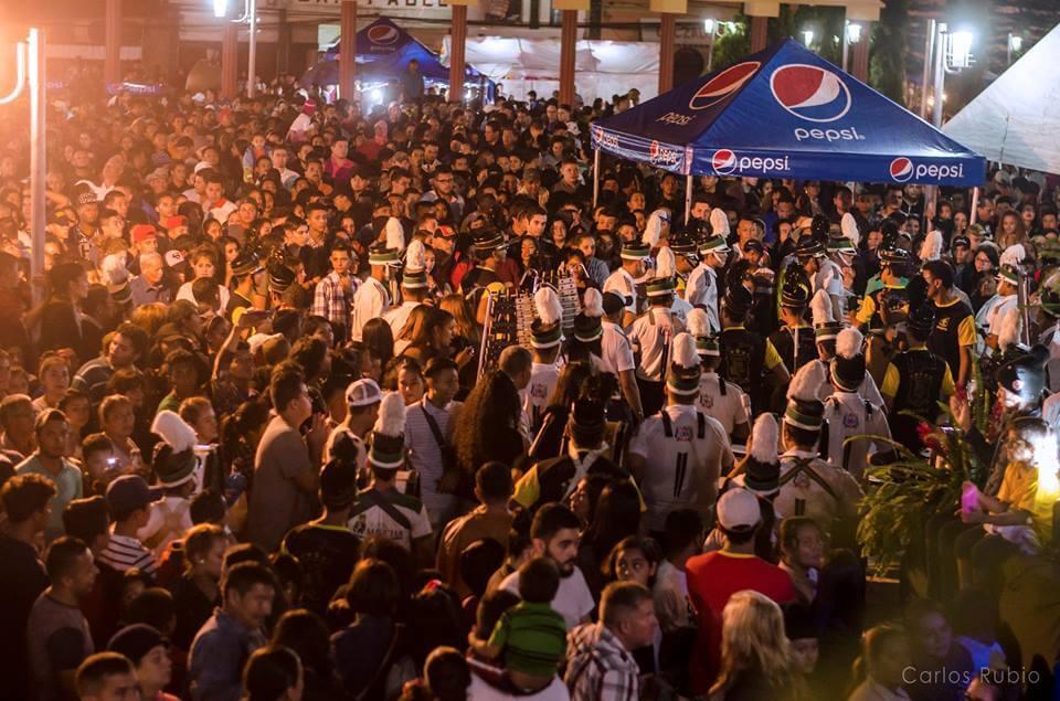 festival mas de 5000 personas