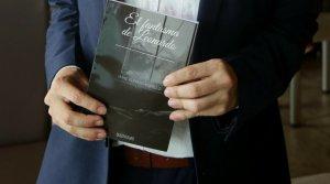 """Joven hondureño presenta su obra literaria """"El fantasma de Leonardo"""""""