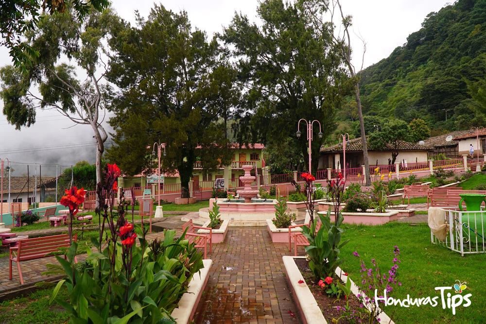 Los 10 parques centrales más atrayentes y nostálgicos de Honduras