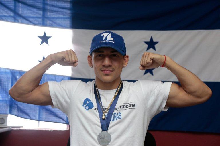 Esperamos que el boxeador de sangre hondureña obtenga su primer título mundial.
