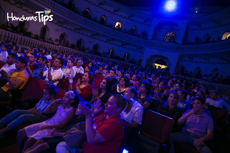 El público disfrutó de principio a fin el evento.