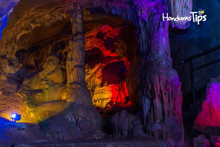 La cueva principal esta acondicionada para todo público.