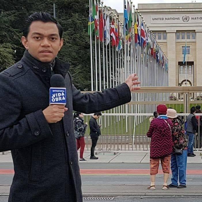 Everth Estrada en una cobertura desde Ginebra, Suiza.