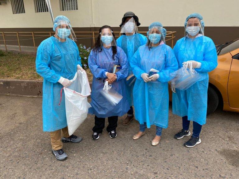 Personal, médico, de limpieza y de seguridad en hospitales recibieron caretas.