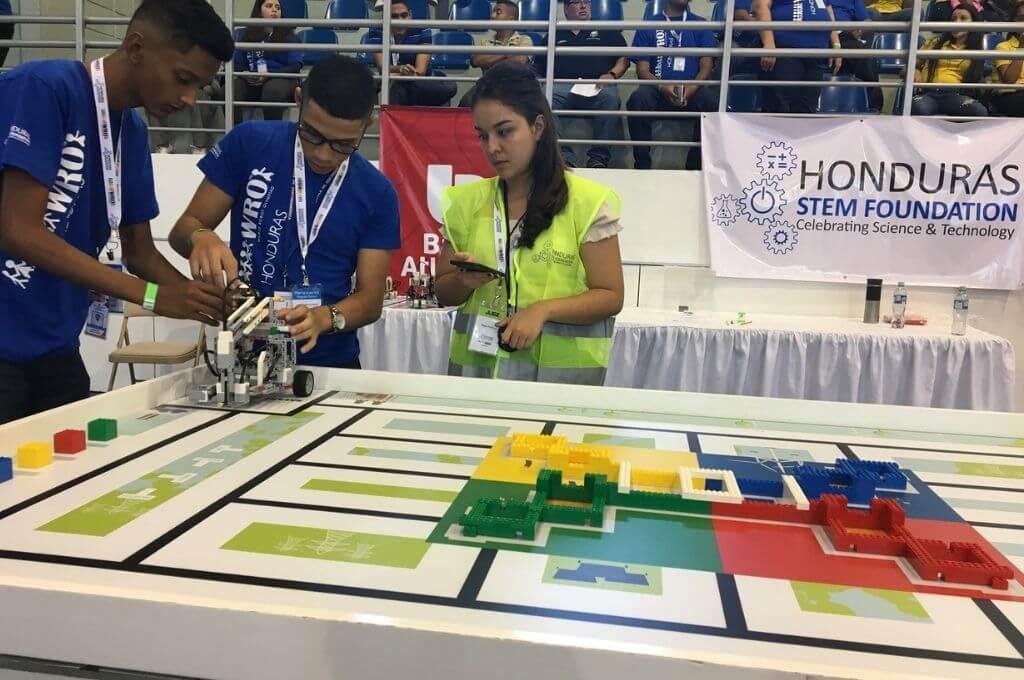 Hondureños se preparan para la 4ta Olimpiada Nacional de Robótica WRO 2021